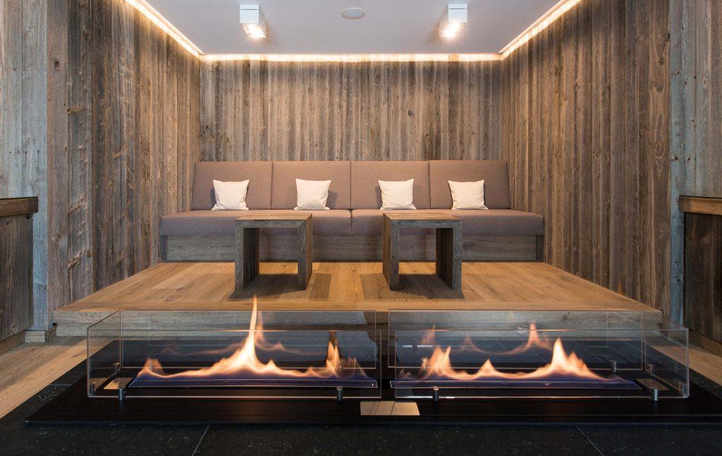 Best of Folder_ELEMENTs_Hotel Graseck - Altholz sonnenverbrannt grau 02